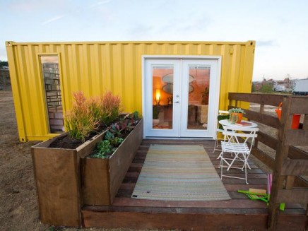 HDSAS104_Hilari-After-Shipping-Container-Exterior_s4x3_lg