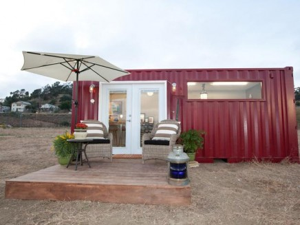 HDSAS104_Leslie-After-Shipping-Container-Exterior-Wide_s4x3_lg